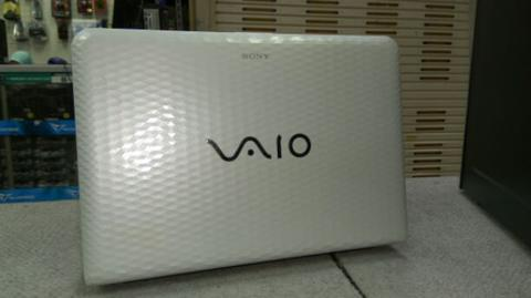 notebook sony vaio PCG-61911w putih charger + batre + unit