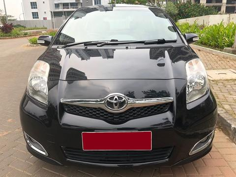 Toyota New Yaris 1.5 E MT 2010 Hitam Metalik