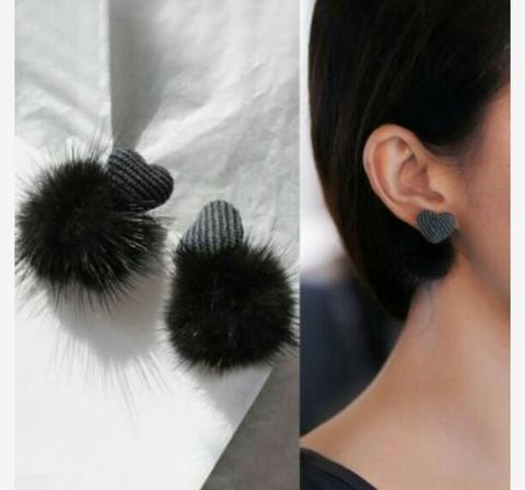 Anting Korea Love Shape Fabric PomPom