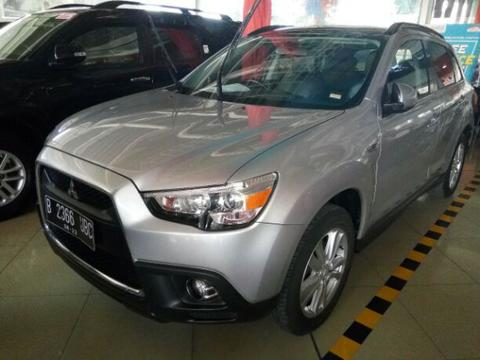 "Mitsubishi Outlander px at 2012 Abu"" metalik"