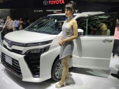 Ready stock Toyota Voxy