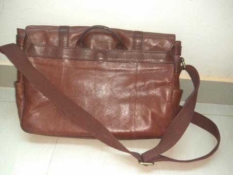 Fossil messenger tas fossil cowok