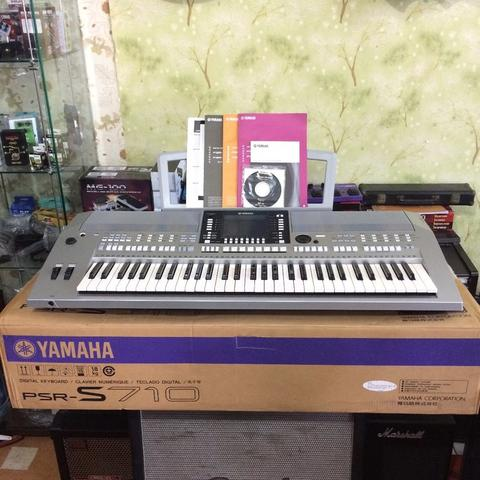 ***BILLY MUSIK*** Keyboard Yamaha PSR-S710 PSR S710 Like New - Istimewa