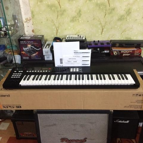 ***BILLY MUSIK*** Synthesizer Roland XPS10 XPS-10 Like New - Garansi