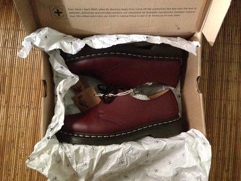 Dr. Martens 1461 (3 hole) size 42, Red Cherry Smooth