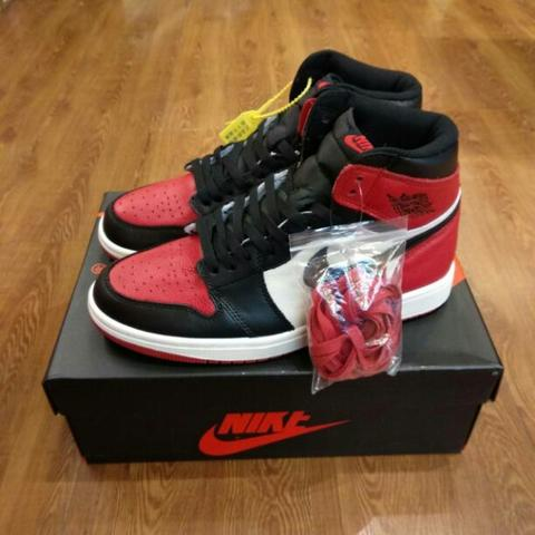 Nike Air Jordan 1 Retro OG Bred Toe