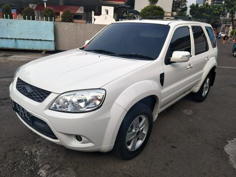 Ford Escape 2.3XLT AT 2013 Sunroof.. Good Condition