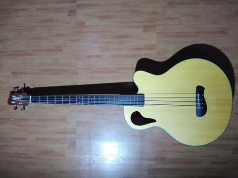 Bass Acoustic Olympia OB3CE by Tacoma