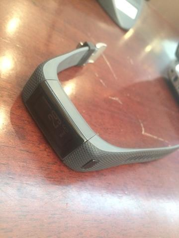 Jam Tangan GARMIN Vivosmart HR + mint Condition