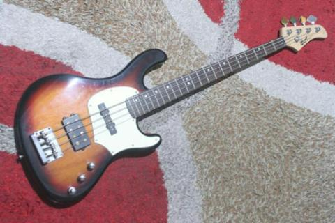 Cort GB 34A sunburst active bass