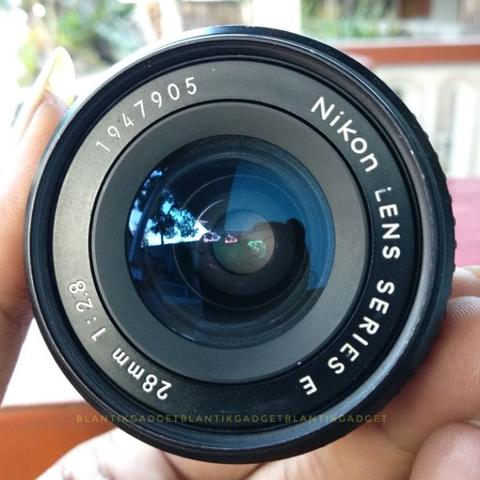 Nikon 28mm f2.8 E Series Lens - Wide Manual mount AIS
