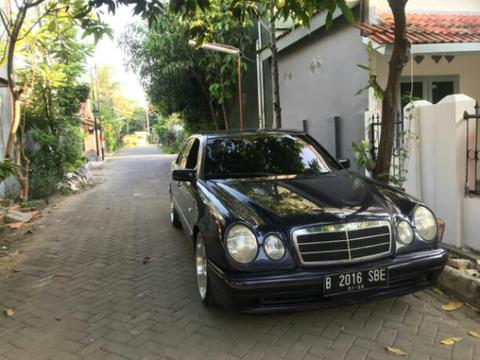 Mercedez W210 E230 1997 AT