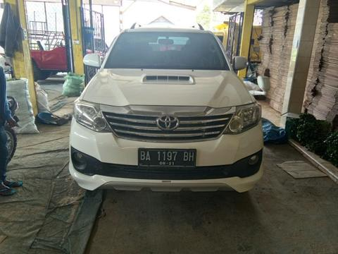 Toyota fortuner 2012 manual