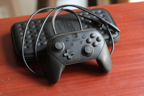 Hori Pro Controller for Nintendo Switch Murah Like New Bandung
