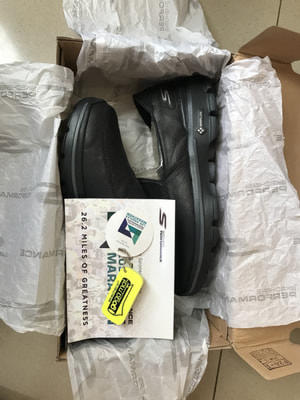 Skechers limited black 1000% original size 39