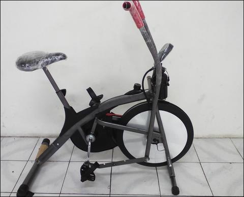 Platinum Bike Hitam Sepeda FItness 2 in 1 Wind Cycle