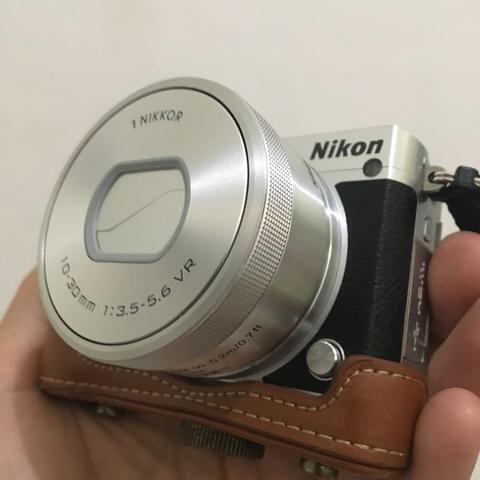 Nikon 1-J5 Best Value Mirrorless Camera MULUS LIKE NEW !!