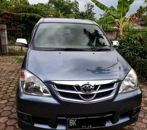 Dijual Avanza G 2011 Grey Manual