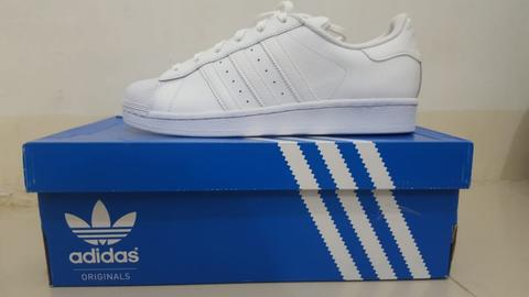 ADIDAS SUPERSTAR (uk. 40 / 25cm)