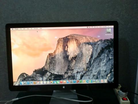 Apple Cinema Display LED 27 Inch With Mini DisplayPort Connector