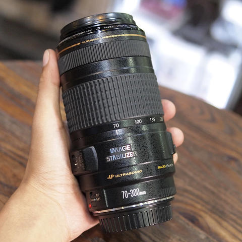 Canon EF 70-300mm f/4-5.6 IS USM - GOOD CONDITION | 0546