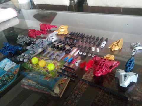 Rare Part LEGO Bionicle, include Axonn & Brutaka mask!