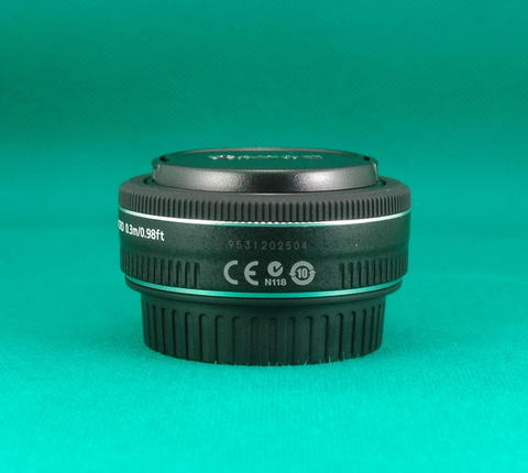 Lensa Fix Canon EF 40 mm F 2.8 STM Mulus Like New