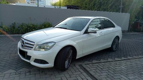 Mercedes Benz C 200 AVG 2012 White On Black Service Record Perfect Condition