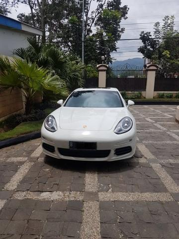 PORSCHE PANAMERA S WHITE ON BLACK 2013/2014