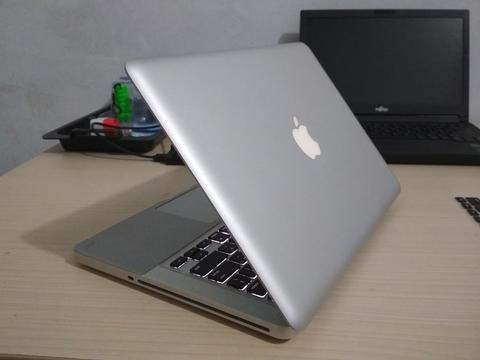 Apple MacBook Pro MC700 - 2011