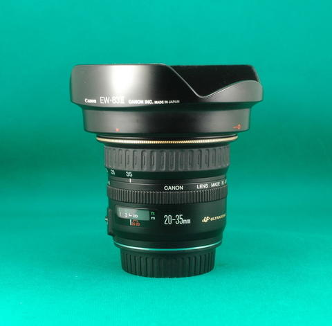 Canon EF 20-35 mm Ultrasonic F 3.5-4.5 Lensa Wide for Fullframe Camera