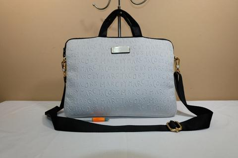 Tas laptop sling selempang branded MARC By MARC JACOBS Embossed second original