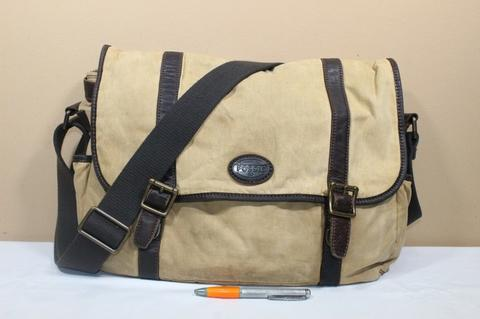 Tas pria branded FOSSIL Sling selempang messenger second original
