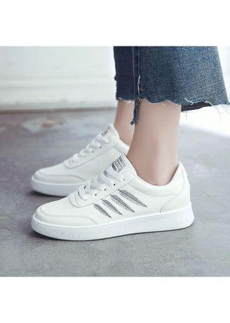 Feather Embroidery Casual Shoes
