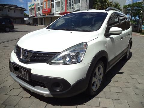 Grand Livina X-Gear Tahun 2014 MT, Putih