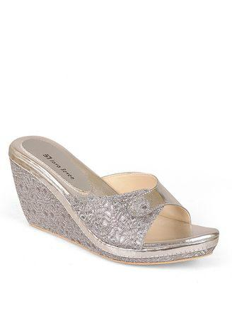 JAVA SEVEN Psaltria Women Sandals Wedges Silver