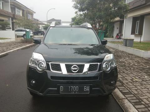 JUAL Nissan Xtrail 2.5 XT 2011/2012 - Over Kredit !