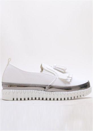 Korean System Tassel Decorated Leisure Slip-ons