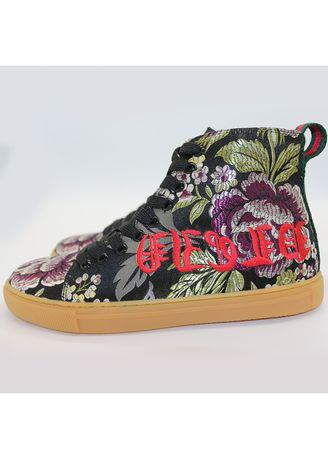 Printed embroidered shoes