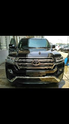 Ready Stock Toyota NEW LAND CRUISER 200 FULL SPEC A/T DIESEL Cash/Credit..Buktikan