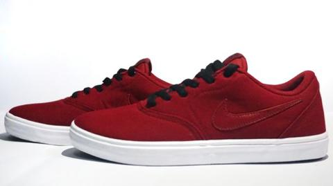 Nike SB Check Solarsoft Red size 44.5 Brand New With Box