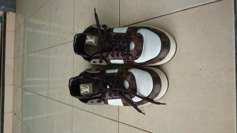 (LELANG) LOUIS VUITTON ACE SNEAKERS SS