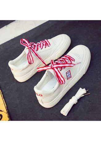 Breathable white shoes