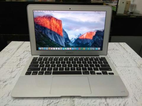 Macbook Air - Core i5 |2Gb/64Gb Ssd |Led 11 HD |Cc Batt 49 |Muluss