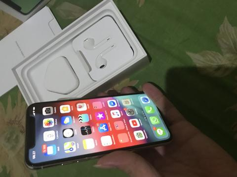 iPhone X 64gb silver qualcomm free sandisk connect wireless 64gb