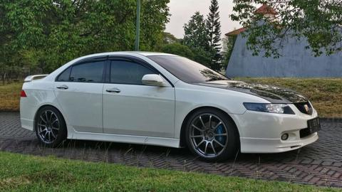 HONDA ACCORD CL7R WHITE ON BLACK 2005