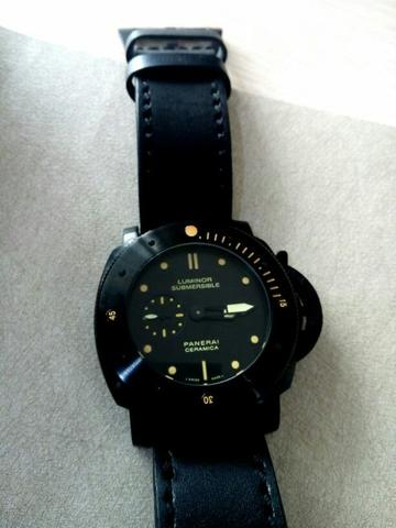 Jam Panerai Luminor Submersible