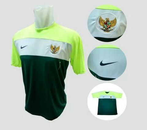dfef77afead Terjual JERSEY TRAINING TIMNAS INDONESIA