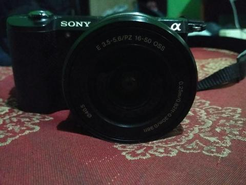 Kamera Mirrorless Sony a5000