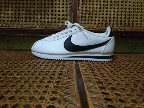 nike cortez white black original